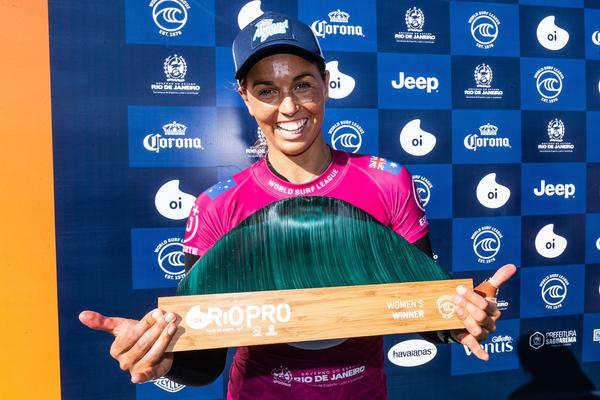 Sally Fitzgibbons (AUS) (Damien Poullenot / WSL via Getty Images)