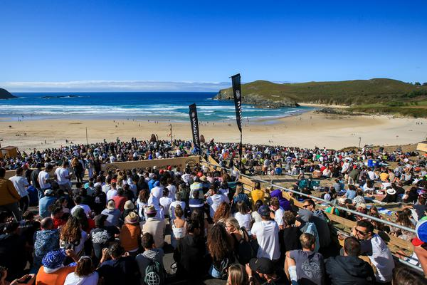 Playa Pantin lotada (Laurent Masurel / WSL via Getty Images)
