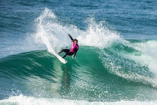 Lakey Peterson-EUA (Laurent Masurel / WSL via Getty Images)