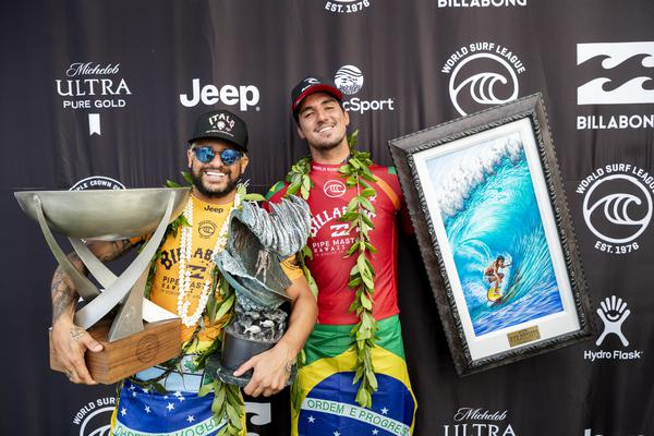 ALTA | WEB Italo e Medina (Kelly Cestari / WSL via Getty Images)